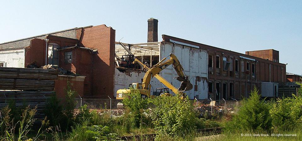 Henderson Cotton Mill, Henderson, N.C.  Photo by Andy Brack.