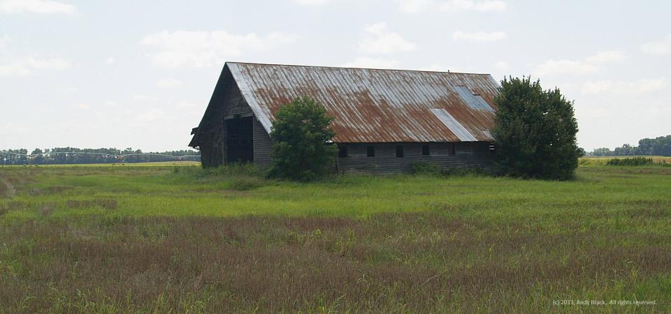 Barn along Interstate 95 near Rowland, N.C.  Photo by Andy Brack.