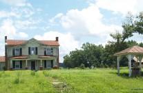 Grand farmhouse, Southampton County, Va.