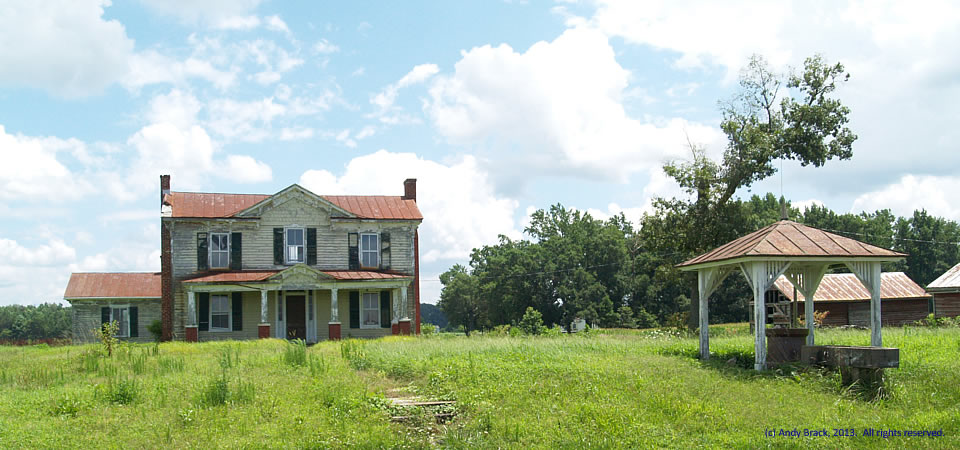 Worn farmhouse, Southampton County, Va.  Photo by Andy Brack.