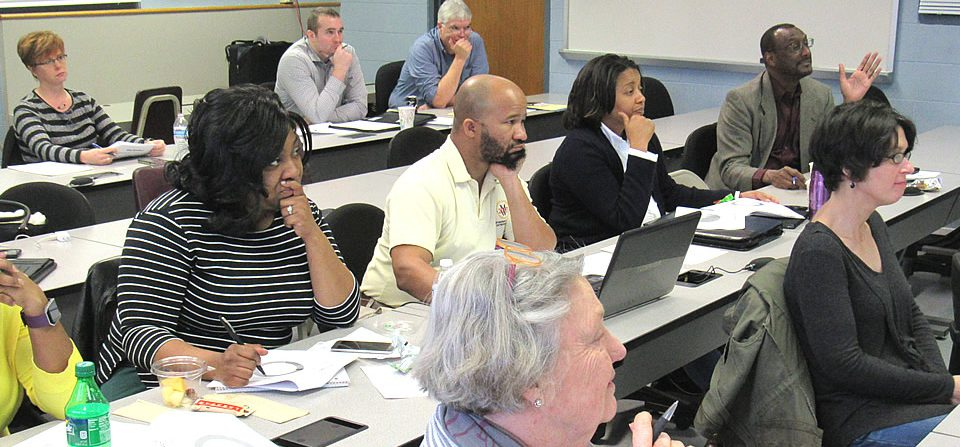 NEWS: A dozen attend Center's first training class